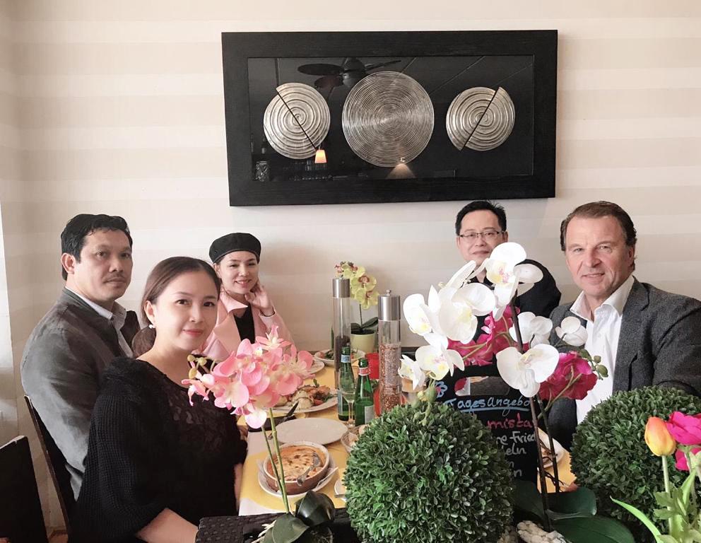 LBA HQ menyambut Perwakilan Vietnam
